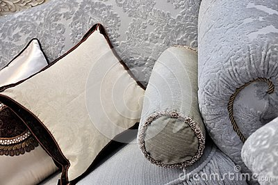 Cloth sofa handle and pillow