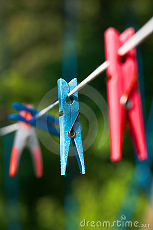 Free Clothes-pegs Royalty Free Stock Images - 2817039