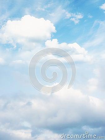Free Cloud Stock Photos - 33048523