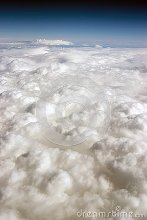 Free Cloud Cover Blue Sky Stratosphere Vertical Composition Clear Weather Royalty Free Stock Photo - 40358965