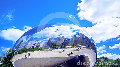 Cloud Gate (The Bean) Editorial Stock Photo
