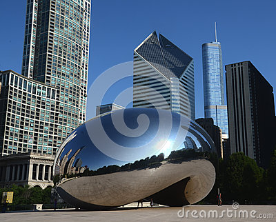 Cloud Gate, with Crain and Trump buildings Editorial Stock Image