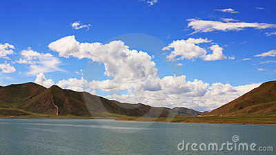 The cloud and mountain of tibet