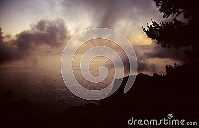 Cloud na światło dzienne ostatnich na strzępy