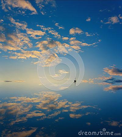 Cloud sky mirror in sea