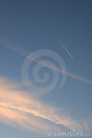 Free Clouds And Contrail Stock Photography - 10606082