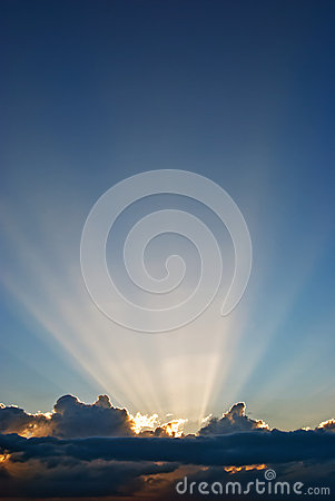 Free Clouds And Sun Beams Royalty Free Stock Images - 24693469