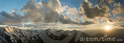 Clouds under the mountains