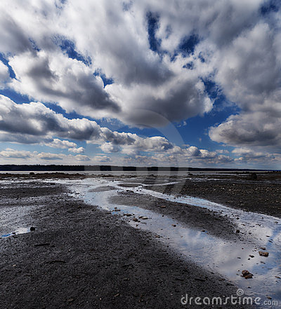 Cloudscape prima della pioggia