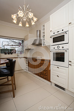 Cloudy home - bright kitchen