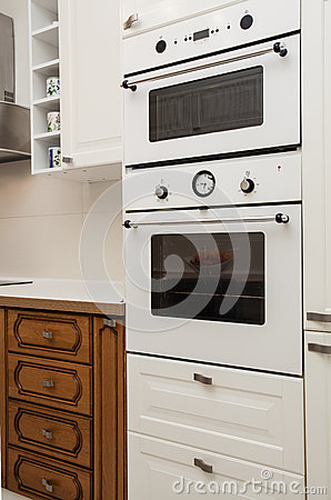 Cloudy home - oven and microwave
