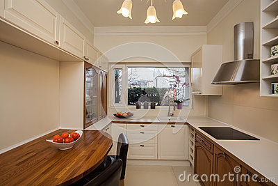 Cloudy home - spacious kitchen