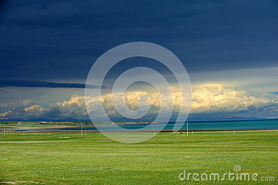 Cloudy in Qinghai lake