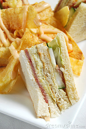 Clubhouse sandwich with potato chips