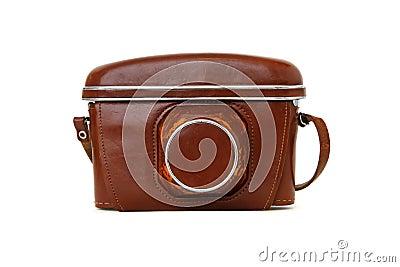 Cámara de la foto de la vendimia en la caja de cuero roja aislada