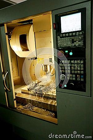 Free CNC Milling Machine Royalty Free Stock Image - 9460816