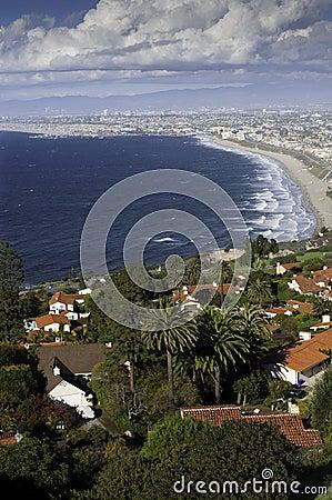 Free Coastline From Palos Verdes To Santa Monica Royalty Free Stock Images - 28271779