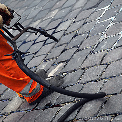 Cobblestone crack repair
