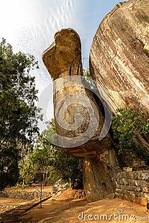 Free Cobra-shaped Rock In Sigiriya Palace Stock Photo - 27281630