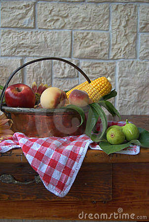 Cobs and fruit