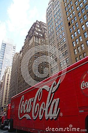 Coca - colalastbil Redaktionell Arkivbild