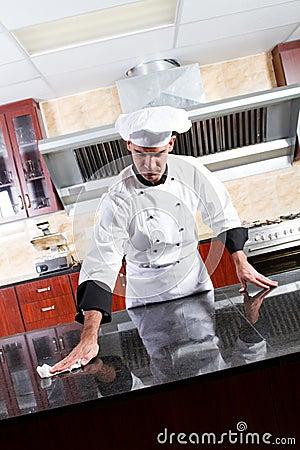Cocina de la limpieza del cocinero imagen de archivo - Limpieza de cocina ...