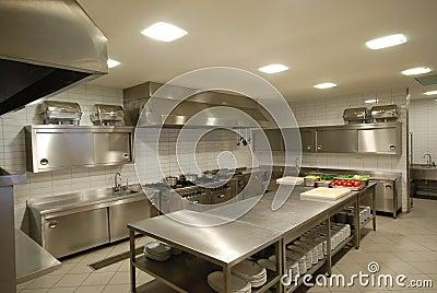 Cocina moderna en restaurante imagenes de archivo imagen for Cocinas de restaurantes modernos