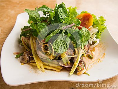 Cockle spicy salad