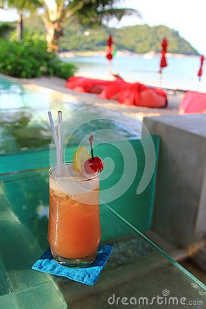 Cocktail by the infinity swimming pool