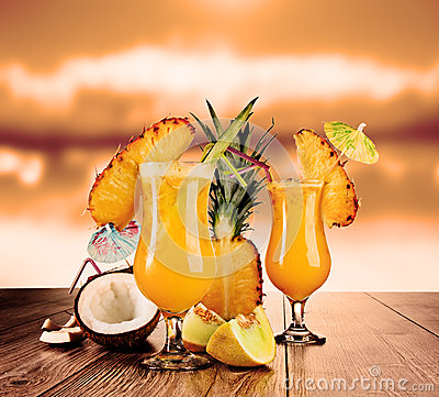 Free Cocktails Stock Photography - 25425072