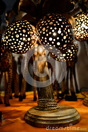 Coconut table lamp