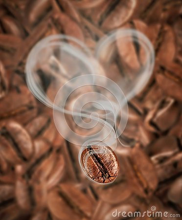 Free Coffee Bean With Hot Steam In The Shape Of A Heart Close-up Royalty Free Stock Photos - 102820768