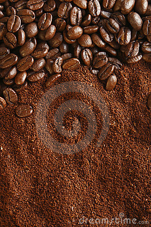 Free Coffee Beans And Ground Background, Warm Light Royalty Free Stock Images - 5830519