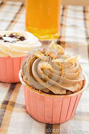 Free Coffee Cup Cake Stock Photos - 28418983