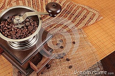 Coffee grain grinder