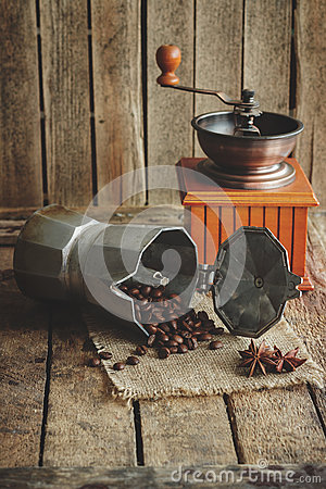 Free Coffee Grinder, Coffeepot And Roasted Coffee Beans Stock Image - 86741671