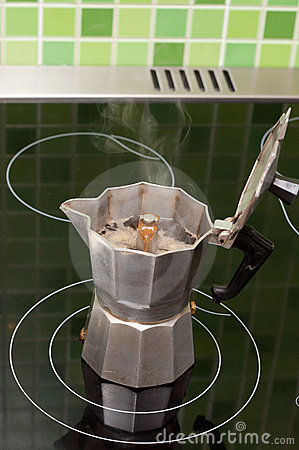 Coffee-maker boils coffee
