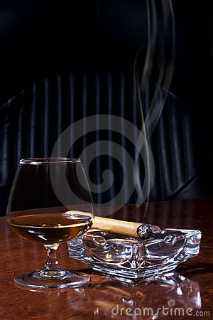 Free Cognac And Cigar Stock Photo - 7647900