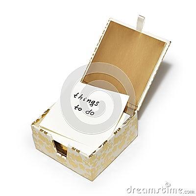 Coisas para fazer completamente - uma nota em uma caixa extravagante das notas