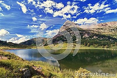 Colbricon lake - HDR