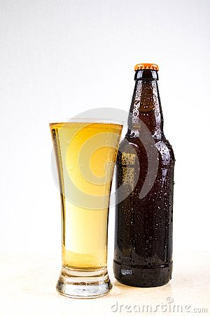 Free Cold Beer Royalty Free Stock Photos - 100127658