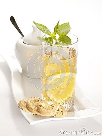 Cold black tea with lemon