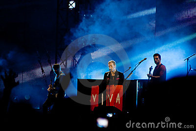 Coldplay playing for Viva La Vida Tour Editorial Photo