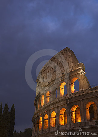Free Coliseum At Night Royalty Free Stock Photo - 1672185