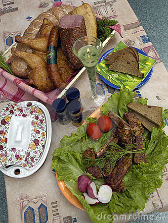 Collage: smoked meat, bread, chicken and vegetables