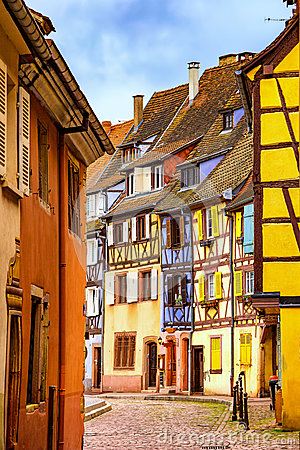 Free Colmar, Petit Venice, Narrow Street And Traditional Houses. Alsa Stock Photo - 85565150