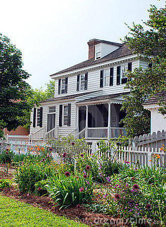Colonial Home 85