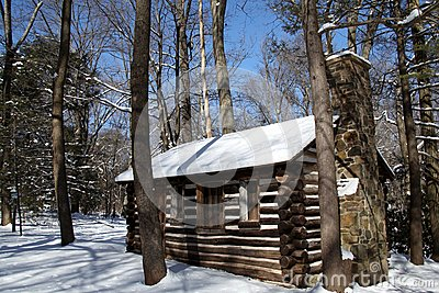 1000 images about cabin living on pinterest cabin log for Colonial log homes