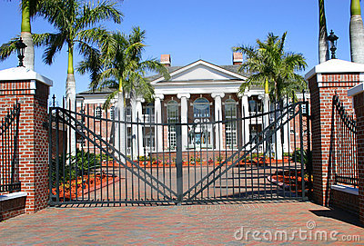 Colonial Mansion