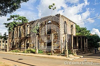 Colonial ruin